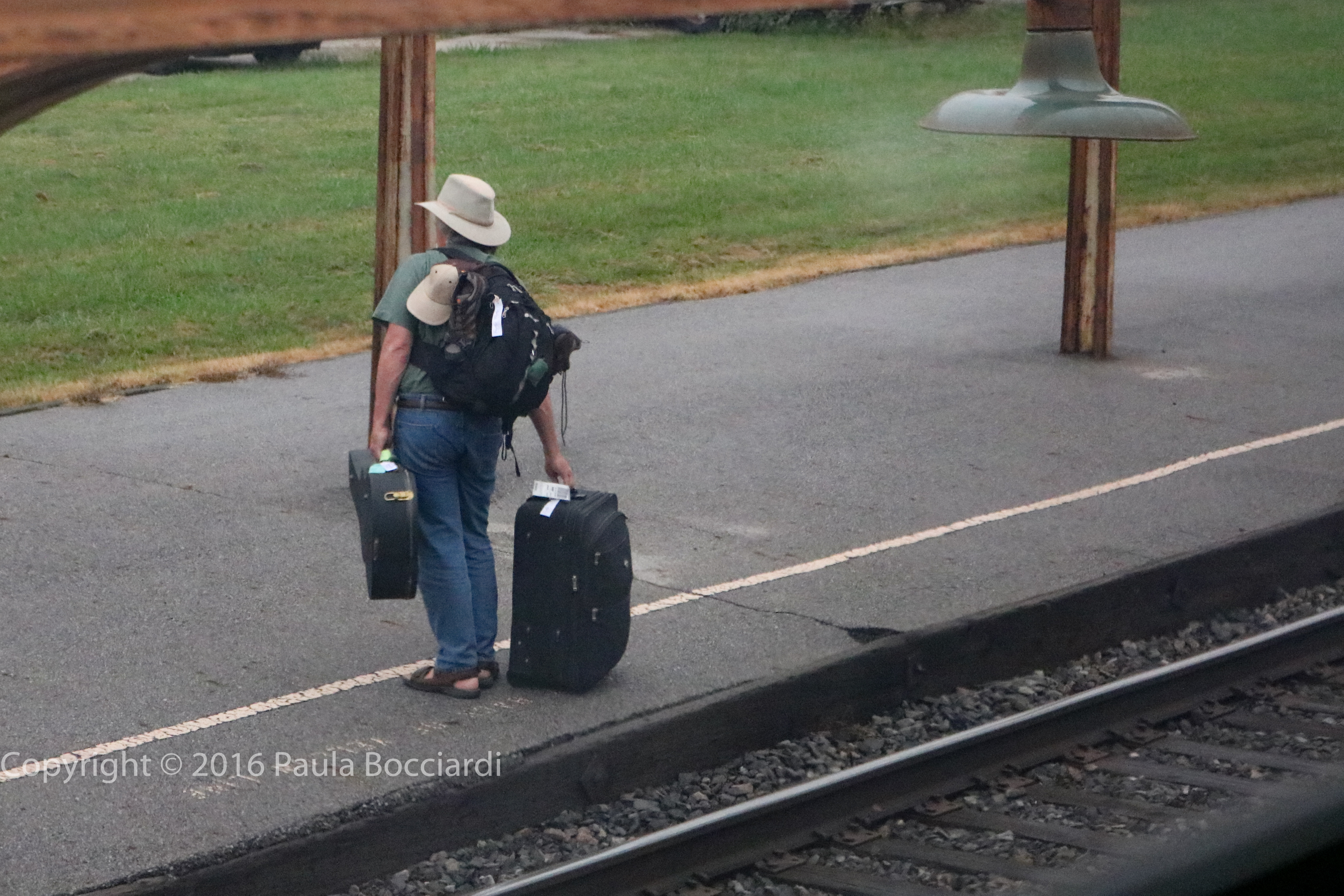 galesburg-il_man-at-station-1