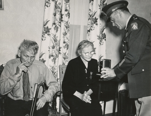 1949_10-20_posthumous receipt of Reuben Steger medals_John and Caroline Steger 1