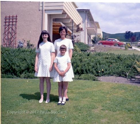 1969_04-06_Paula, Mom, Janine 1(b)