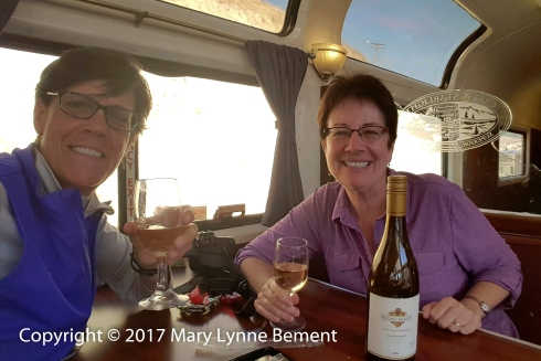 028_Coast Starlight train trip, September 2017_Parlour car wine-tasting_ML, Paula